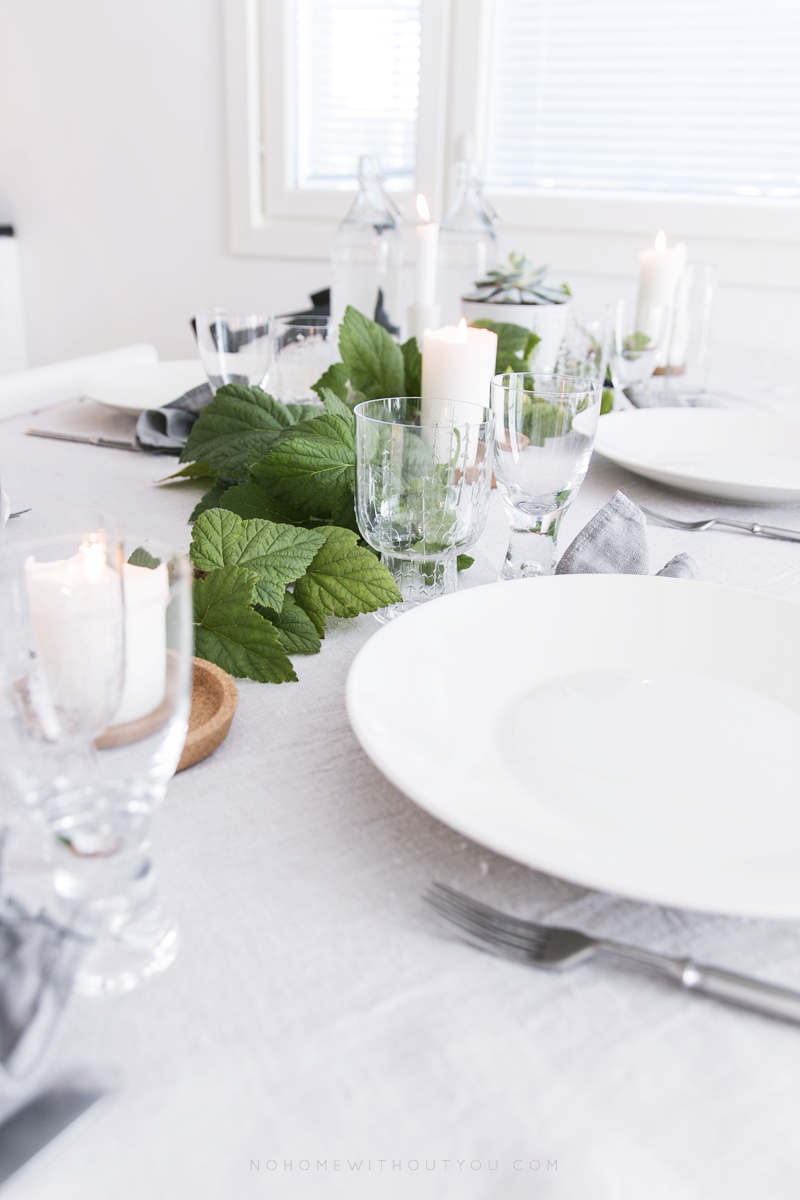 dinner table setting 10