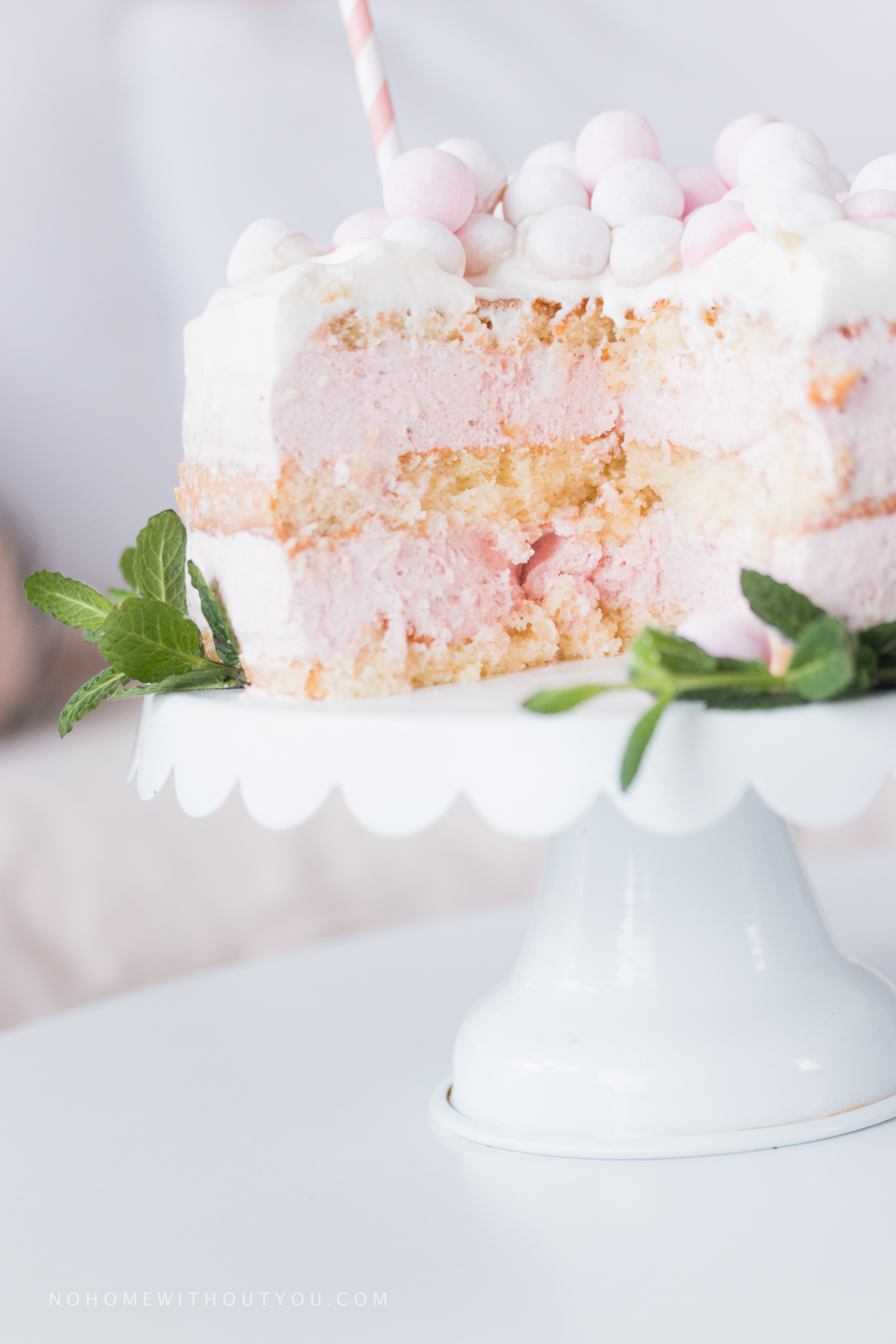 Strawberry Naked Cake - No home without you (10 of 13)